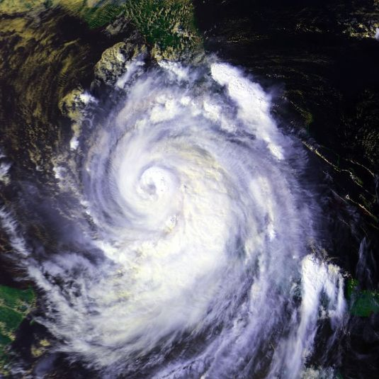 900px-Hurricane_Georges_25_sept_1998_1935Z